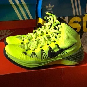 "online retailer 87579 f6473 Nike Shoes - Nike Hyperdunk 2013 ""Volt"""